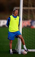 Photo: Glyn Thomas.<br />England Training. 09/11/2005.<br />England's David Beckham watches his teammates train.