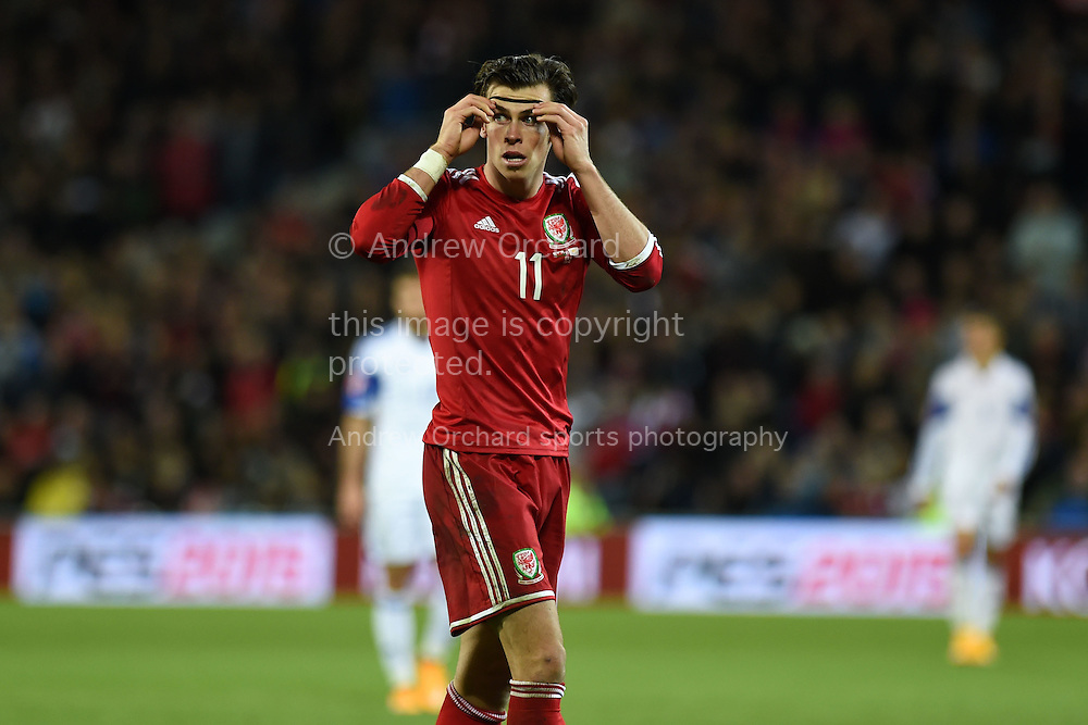 Gareth Bale of Wales in action.  Euro 2016 qualifying group B match, Wales v Cyprus at the Cardiff city Stadium in Cardiff, South Wales on Monday 13th Oct 2014.<br /> pic by Andrew Orchard, Andrew Orchard sports photography.