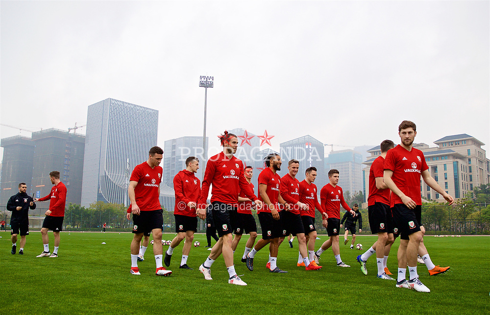 NANNING, CHINA - Saturday, March 24, 2018: Wales' Gareth Bale during a training session at the Guangxi Sports Centre ahead of the 2018 Gree China Cup International Football Championship final match against Uruguay. Ashley Williams, Andy King, Billy Bodin, Declan John, Ben Davies. (Pic by David Rawcliffe/Propaganda)