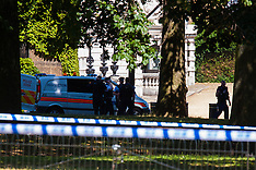2015-07-09 Suspect package investigated at Guards Monument opposite Horseguards Parade