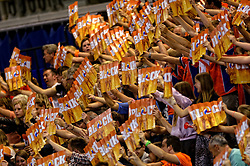 01-06-2014 NED: WLV Nederland - Zuid Korea, Eindhoven <br /> Support Oranje publiek klappers Block