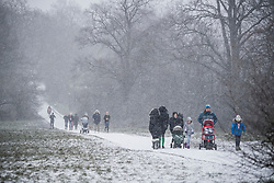 © Licensed to London News Pictures. 24/01/2021. London, UK. Heavy Snowfall on Hampstead Heath in Hampstead in north London. Parts of the UK continue to suffer from flooding caused by Storm Christoph. Photo credit: Ben Cawthra/LNP
