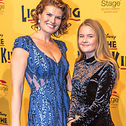 NLD/Scheveningen/20161030 - Premiere musical The Lion King, Anouk van Nes en .............