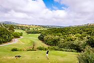 22-10-2018 Almenara Golf Club in Sotogrande, Cádiz, ontworpen door Dave Thomas.<br /> ALMENARA: de lange par-4 derde van Los Alcornoques