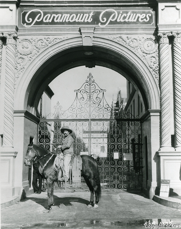 1934 Paramount Pictures entrance