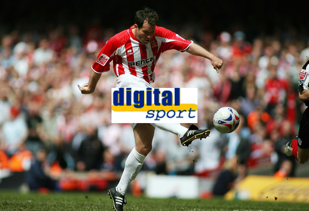 Photo: Rich Eaton.<br /> <br /> Grimsby Town v Cheltenham Town. Coca Cola League 2. Play off Final. 28/05/2006. Steve Guinan, who scored the only goal of the game, shoots in the first half