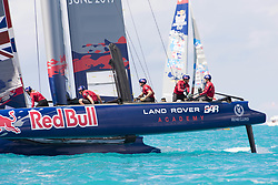 June 21, 2017 - Bermudes, USA - The Great Sound, Bermuda, 20th June 2017, Red Bull Youth America's Cup Finals. Race three, Land Rover BAR Academy  (Credit Image: © Panoramic via ZUMA Press)