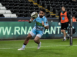 Nikola Matawalu of Glasgow Warriors scores his sides third try<br /> <br /> 2nd November, Liberty Stadium , Swansea, Wales ; Guinness pro 14's Ospreys Rugby v Glasgow Warriors ;  <br /> <br /> Credit: Simon King/News Images<br /> <br /> Photographer Simon King/Replay Images<br /> <br /> Guinness PRO14 Round 8 - Ospreys v Glasgow Warriors - Friday 2nd November 2018 - Liberty Stadium - Swansea<br /> <br /> World Copyright © Replay Images . All rights reserved. info@replayimages.co.uk - http://replayimages.co.uk