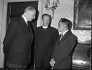President Eamon de Valera recieves Ford Fellowship students at Áras an Uachtarian.<br /> 25.08.1961