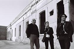 A sinistra Claudio Bastianutti, il padre di Daniela e Paola, ispeziona i lavori di ristrutturazione con  Valentina e Ivan De Masi del Gruppo ITALGEST