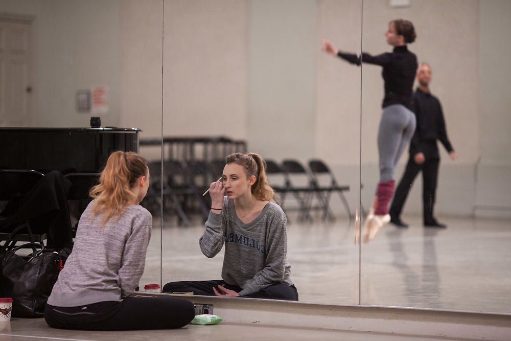 NEW YORK, NY: NOV 22, 2014 - Kaitlyn Gilliland getting ready for a performance with New Chamber Ballet at City Center's Studio 5 in midtown Manhattan. CREDIT: Emon Hassan