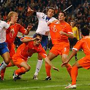 NLD/Amsterdam/20051112 - Voetbal, vriendschappelijke wedstrijd Nederland - Italie, Fabio annavaro (5), Dirk Kuyt (9), Philip Cocu (10), Alberto Gilardino (11), Ron Vlaar (3) en Denny Landzaat (6)