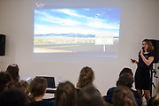 In Delft presenteert het Human Power Team het ontwerp van hun nieuwe fiets, de VeloX 8. In september wil het Human Power Team Delft en Amsterdam, dat bestaat uit studenten van de TU Delft en de VU Amsterdam, tijdens de World Human Powered Speed Challenge in Nevada een poging doen het wereldrecord snelfietsen voor vrouwen te verbreken met de VeloX 8, een gestroomlijnde ligfiets. Het record is met 121,81 km/h sinds 2010 in handen van de Francaise Barbara Buatois. De Canadees Todd Reichert is de snelste man met 144,17 km/h sinds 2016.<br /> <br /> In Delft the Human Power Team presents the VeloX 8. With the VeloX 8, a special recumbent bike, the Human Power Team Delft and Amsterdam, consisting of students of the TU Delft and the VU Amsterdam, also wants to set a new woman's world record cycling in September at the World Human Powered Speed Challenge in Nevada. The current speed record is 121,81 km/h, set in 2010 by Barbara Buatois. The fastest man is Todd Reichert with 144,17 km/h.