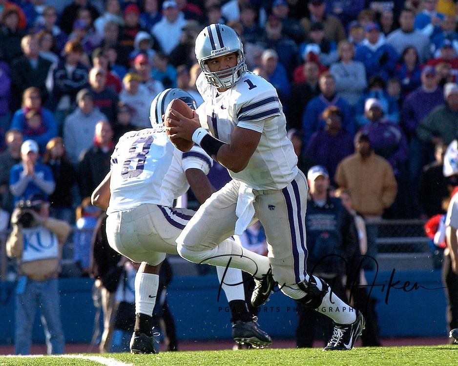 Kansas State quarterback Josh Freeman in action against Kansas at Memorial Stadium in Lawrence, Kansas, November 18, 2006.  Kansas beat K-State 39-20.<br />