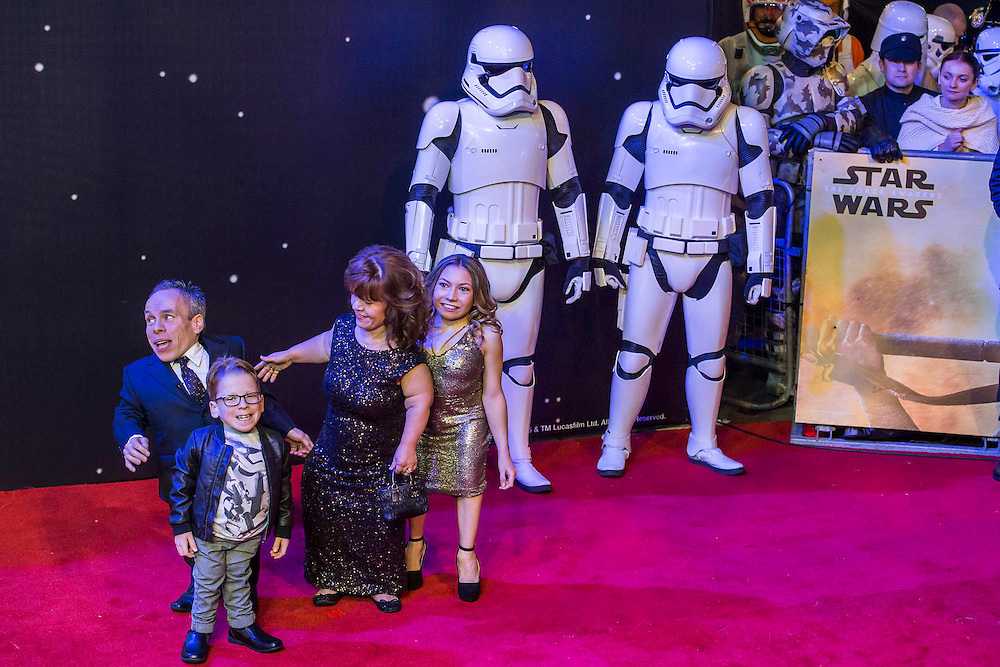 Warwick Davis and family -  The European Premiere of STAR WARS: THE FORCE AWAKENS - Odeon, Empire and Vue Cinemas, Leicester Square, London.
