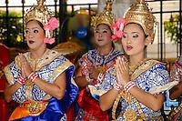 Traditional Thai dancers, Erawan Shrine, Bangkok, Thailand