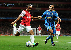 01.11.2011, Emirates Stadion, London, ENG, UEFA CL, Gruppe F, Arsenal FC (GBR) vs Olympique de Marseille (FRA), im Bild  Arsenal's Theo Walcott in action against Olympique de Marseille's Jeremy Morel // during UEFA Champions League group F match between Arsenal FC (GBR) and Olympique de Marseille (FRA) at Emirates Stadium, London, United Kingdom on 01/11/2011. EXPA Pictures © 2011, PhotoCredit: EXPA/ Propaganda Photo/ Chris Brunskill +++++ ATTENTION - OUT OF ENGLAND/GBR+++++