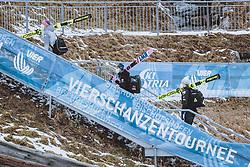 05.01.2021, Paul Außerleitner Schanze, Bischofshofen, AUT, FIS Weltcup Skisprung, Vierschanzentournee, Bischofshofen, Finale, Qualifikation, im Bild Karl Geiger (GER), Piotr Zyla (POL), Robert Johansson (NOR) // Karl Geiger of Germany Piotr Zyla of Poland Robert Johansson of Norway during the qualification for the final of the Four Hills Tournament of FIS Ski Jumping World Cup at the Paul Außerleitner Schanze in Bischofshofen, Austria on 2021/01/05. EXPA Pictures © 2020, PhotoCredit: EXPA/ JFK