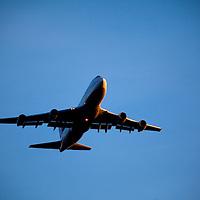 747 jet navigating its way toward Kennedy Airport.
