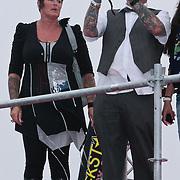NLD/Amsterdam/20110612 - TMF Awards 2011, ouders Ben en Dean Saunders aan het fotograferen