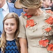NLD/Amersfoort/20190427 - Koningsdag Amersfoort 2019, Koningin Maxima en Prinses Ariane