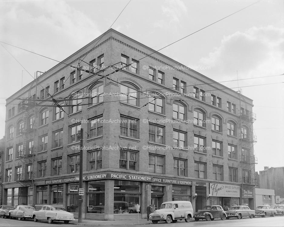Y-541119. Governor building. 404 SW 2nd Ave., corner of Stark. November 19, 1954.