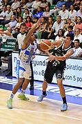 DESCRIZIONE : Campionato 2014/15 Dinamo Banco di Sardegna Sassari - Virtus Granarolo Bologna<br /> GIOCATORE : Simone Fontecchio<br /> CATEGORIA : Passaggio<br /> SQUADRA : Virtus Granarolo Bologna<br /> EVENTO : LegaBasket Serie A Beko 2014/2015<br /> GARA : Dinamo Banco di Sardegna Sassari - Virtus Granarolo Bologna<br /> DATA : 12/10/2014<br /> SPORT : Pallacanestro <br /> AUTORE : Agenzia Ciamillo-Castoria / Luigi Canu<br /> Galleria : LegaBasket Serie A Beko 2014/2015<br /> Fotonotizia : Campionato 2014/15 Dinamo Banco di Sardegna Sassari - Virtus Granarolo Bologna<br /> Predefinita :