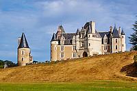 France, Indre-et-Loire (37), Céré-la-Ronde, le château de Montpoupon, édifié entre le XIIIe et le XVe siècle, abrite le Musée de la Vénerie // France, Indre-et-Loire (37), Cere-la-Ronde, Montpoupon castle, 13th - 15th century, Museum of hunting with hounds