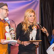 NLD/Amsterdam/20191111 - Presentatie sinterklaasboeken met Rafael v/d Vaart, Nicolette van Dam en Wendy van Dijk, Robert Scheffner met Nicolette van Dam en Aireen