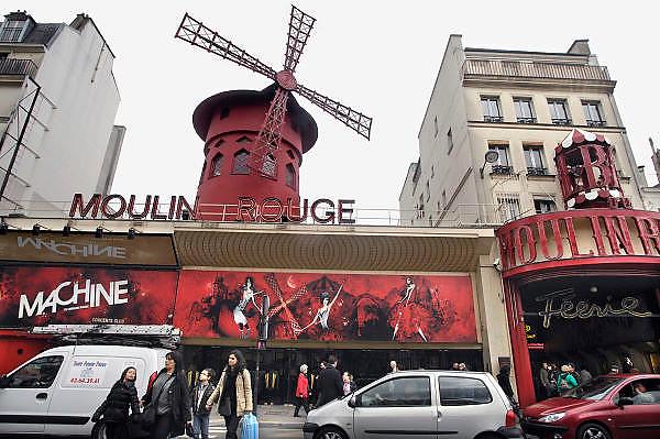Frankrijk, Parijs, 28-3-2010Gevel van de nachtclub Moulin Rouge aan de place pigalle.Foto: Flip Franssen/Hollandse Hoogte