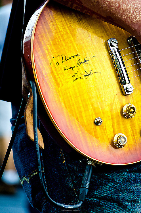 An autograph to Devon Allman from Les Paul on Devon's guitar.