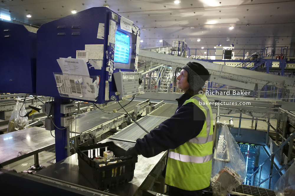 Foodstuffs progress through real-time ordering and delivery technology at Sainsbury's 700,000 sq ft distribution depot