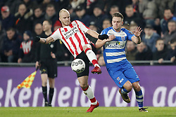 (L-R) Jorrit Hendrix of PSV, Wouter Marinus of PEC Zwolle during the Dutch Eredivisie match between PSV Eindhoven and PEC Zwolle at the Phillips stadium on February 03, 2018 in Eindhoven, The Netherlands