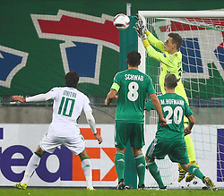 20.10.2016, Weststadion, Wien, AUT, UEFA EL, SK Rapid Wien vs US Sassuolo Calcio, Gruppe F, im Bild Alessandro Matri (US Sassuolo Calcio), Stefan Schwab (SK Rapid Wien), Maximilian Hofmann (SK Rapid Wien) und Richard Strebinger (SK Rapid Wien) // during a UEFA Europa League group F match between SK Rapid Vienna and US Sassuolo Calcio at the Weststadion, Vienna, Austria on 2016/10/20. EXPA Pictures © 2016, PhotoCredit: EXPA/ Thomas Haumer