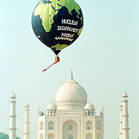 Greenpeace action against Indian nuclear tests, Taj Mahal, Agra, India