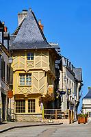 France, Morbihan (56), étape sur le chemin de Saint Jacques de Compostelle, village médiéval de Josselin, façade à colombage //  France, Morbihan (56), step on the way of Saint Jacques de Compostela, medieval village of Josselin, half-timbered houses