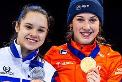 13-01-2019 NED: ISU European Short Track Championships 2019 day 3, Dordrecht<br /> (L-R) Sofia Prosvirnova of Russia, Suzanne Schulting of Netherlands pose in the Ladies overall classification medal ceremony during the ISU European Short Track Speed Skating Championships