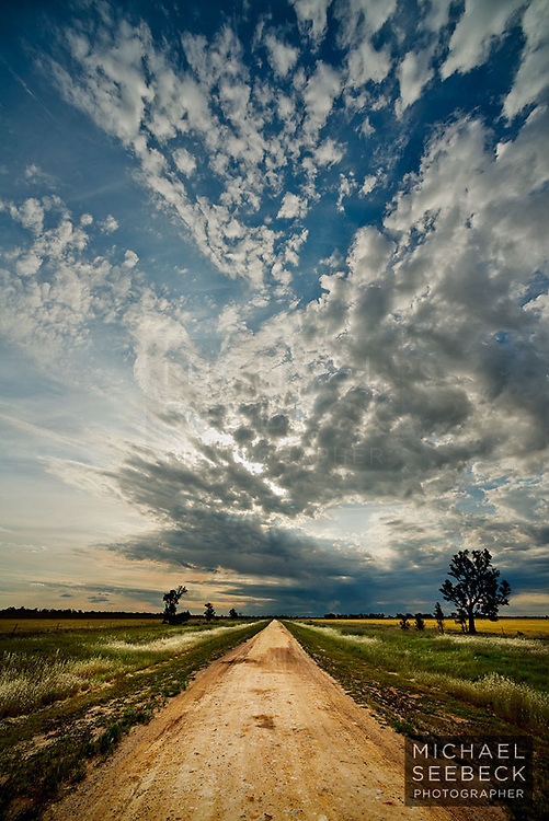 Frontal weather passes rapidly over Wimmera country in the late afternoon.<br /> <br /> LImited Edition of 25 Prints