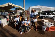 Pirapora_MG, Brasil..Projeto de incentivo a leitura na feira livre de Pirapora, Minas Gerais..Project to encourage reading at a open market in Pirapora, Minas Gerais..Foto: LEO DRUMOND / NITRO