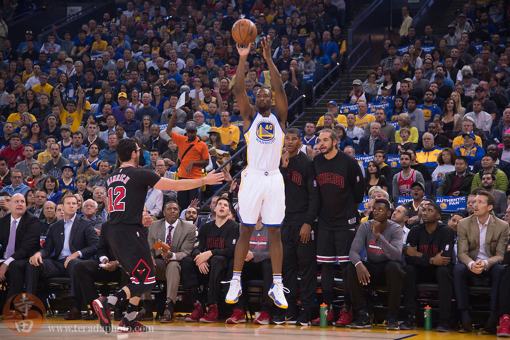 November 20, 2015; Oakland, CA, USA; Golden State Warriors forward Harrison Barnes (40) shoots the basketball during the first quarter against the Chicago Bulls at Oracle Arena. The Warriors defeated the Bulls 106-94.