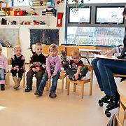 NLD/Huizen/20100303 - Voorleesochtend in peuterspeelzaal 't Krekeltje