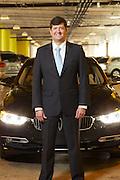 Hernando Carvajal es Ingeniero Mecánico por el Instituto Politécnico de Worcester, en Massachusetts, y cuenta con una Maestría en Administración de Empresas. Ha colaborado con BMW Group en Estados Unidos y Alemania desde el año 2000, en diversas posiciones de Mercadotecnia y Planeación de Producto