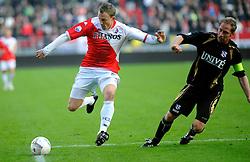 08-11-2009 VOETBAL: FC UTRECHT - HEERENVEEN: UTRECHT<br /> Utrecht verliest met 3-2 van Heerenveen / Tim Cornelisse<br /> ©2009-WWW.FOTOHOOGENDOORN.NL
