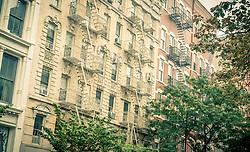 """THEMENBILD - SoHo ist ein Stadtteil in Lower Manhattan. Der Name ist von """"South of Houston Street"""" abgeleitet, im Bild Feuerleitern auf Haeusern Aufgenommen am 10. August 2016 // SoHo, sometimes is a neighborhood in Lower Manhattan. The name """"SoHo"""" refers to the area being """"South of Houston Street"""", This picture shows fireladders on houses, New York City, United States on 2016/08/10. EXPA Pictures © 2016, PhotoCredit: EXPA/ Sebastian Pucher"""