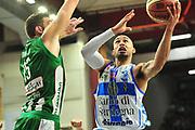 DESCRIZIONE : Campionato 2014/15 Dinamo Banco di Sardegna Sassari - Sidigas Scandone Avellino<br /> GIOCATORE : David Logan<br /> CATEGORIA : Tiro Penetrazione Sottomano<br /> SQUADRA : Dinamo Banco di Sardegna Sassari<br /> EVENTO : LegaBasket Serie A Beko 2014/2015<br /> GARA : Dinamo Banco di Sardegna Sassari - Sidigas Scandone Avellino<br /> DATA : 24/11/2014<br /> SPORT : Pallacanestro <br /> AUTORE : Agenzia Ciamillo-Castoria / M.Turrini<br /> Galleria : LegaBasket Serie A Beko 2014/2015<br /> Fotonotizia : Campionato 2014/15 Dinamo Banco di Sardegna Sassari - Sidigas Scandone Avellino<br /> Predefinita :