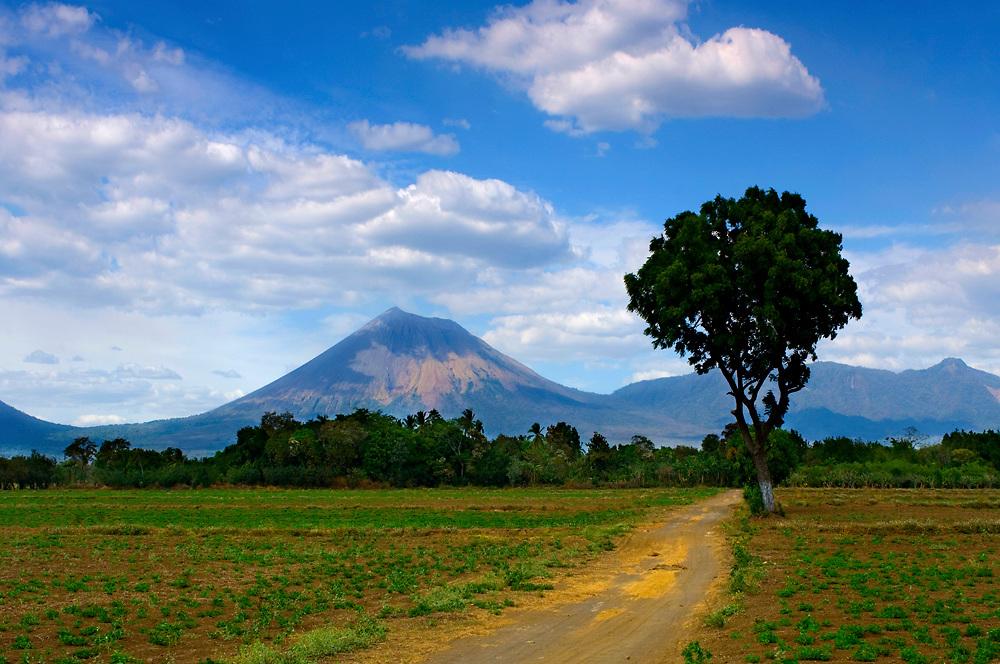 Farm road leads to the San Cristobal Volcano, Nicaragua's tallest volcano.