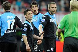 03-04-2010 VOETBAL: AZ - FC UTRECHT: ALKMAAR<br /> FC utrecht verliest met 2-0 van AZ /Jan Wuytens haalt verhaal bij scheidsrechter Kevin Blom<br /> ©2009-WWW.FOTOHOOGENDOORN.NL