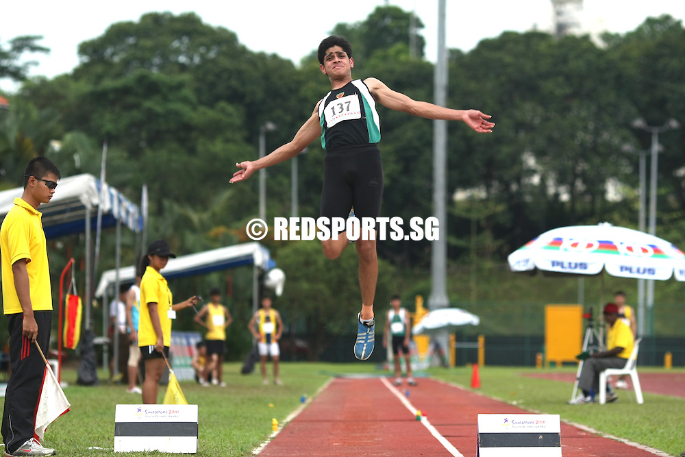 Choa Chu Kang Stadium, Tuesday, April 3, 2012 — Shashi Hazra of Raffles Institution jumped 6.78 metres to capture gold in the A Division Boys' Long Jump at the 53rd National Schools Track and Field Championships.<br /> <br /> Story: http://www.redsports.sg/2012/04/21/a-div-long-jump-shashi-hazra-raffles/