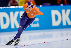 12-11-2017 NED: ISU World Cup, Heerenveen<br /> Sven Kramer heeft tijdens de wereldbeker in Heerenveen weer eens zijn klasse laten zien op de 5000 meter. De Fries reed in een tijd van 6.12,88 naar het goud.