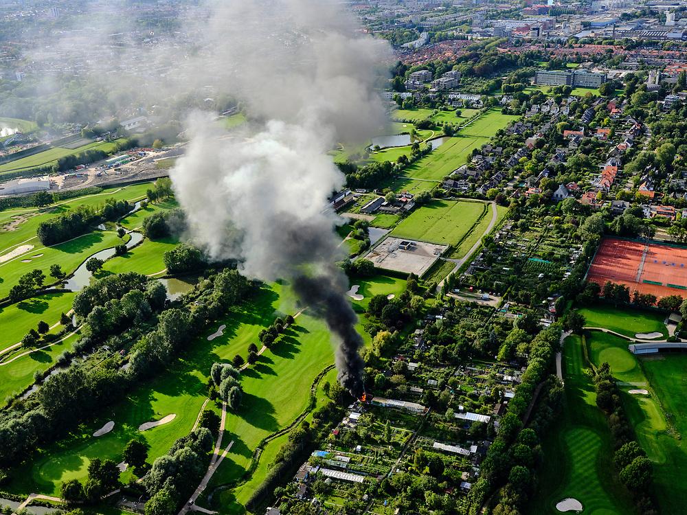 Nederland, Zuid-Holland, Den Haag, 14-09-2019; Park Leeuwenberg, Tussen Voorburg en Ypenburg. Brand op het volkstuinencomplex met zware rookontwikkeling. <br /> Fire on the allotment complex with heavy smoke development.<br /> <br /> luchtfoto (toeslag op standard tarieven);<br /> aerial photo (additional fee required);<br /> copyright foto/photo Siebe Swart